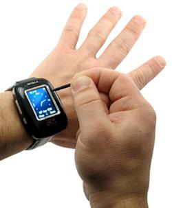 Наручные часы и мобильный телефон в одном