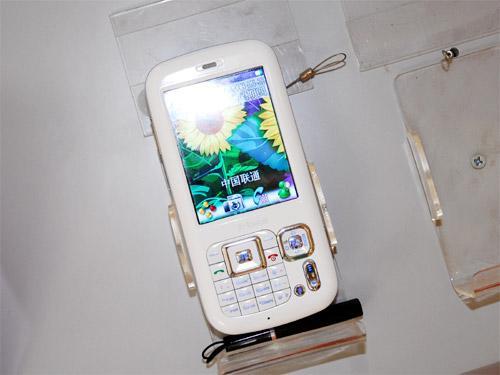 K-Touch – телефон с камерой 8 мегапикселей