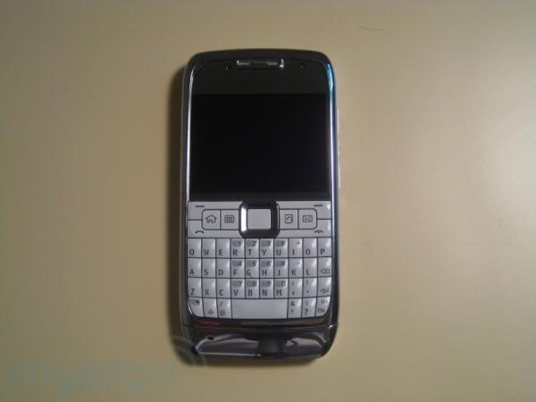 Обзор Nokia Е71