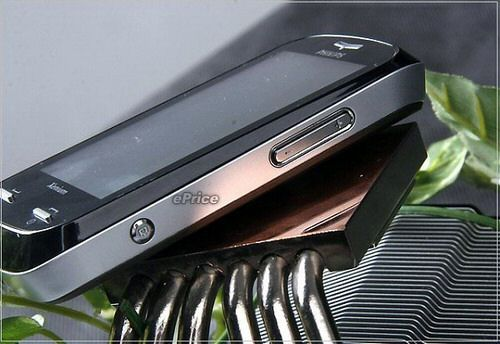 Первые фото Philips Xenium X800