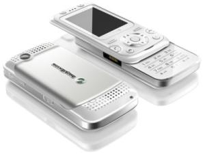 Sony Ericsson F305 – новинка с технологией Motion Gaming