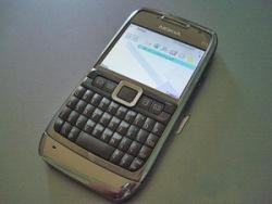 Nokia E71 получила престижные награды «Телефон года» и «Лучший смартфон»