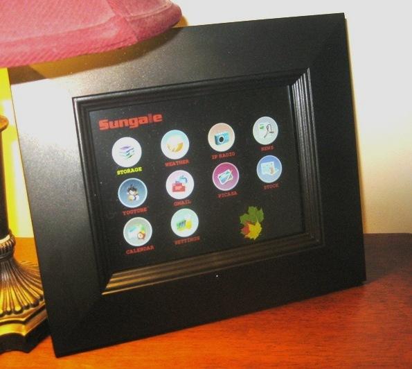 Цифровая фоторамка с сенсорным дисплеем и виджетами