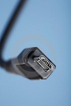 ЕС приветствует microUSB как стандартный разъем для зарядки телефонов