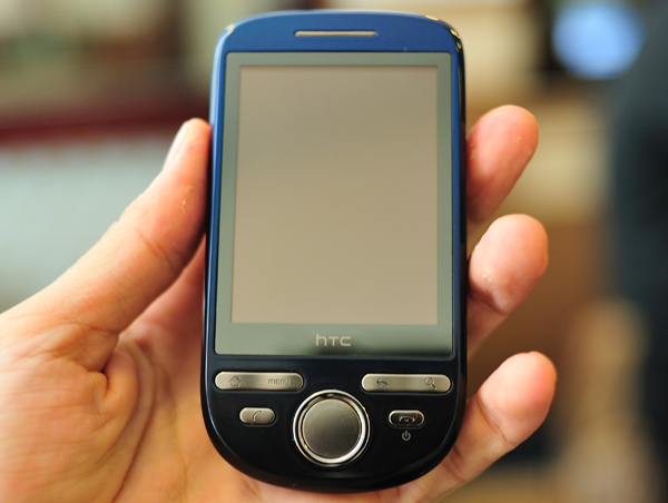 Новый смартфон HTC Click