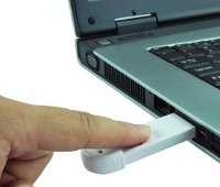 Бюджетная флешка со сканером отпечатков пальцев