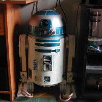 Игрушечная фигурка R2-D2 для фанатов «Звездных войн»