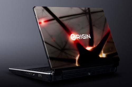 Игровой ноутбук Eon18 с 18-дюймовым дисплеем