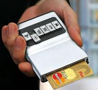 Удобный органайзер для пластиковых карт