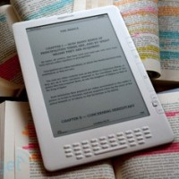 В августе появится более легкая версия Kindle?