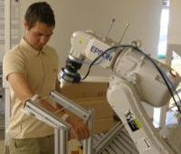 Исследователи учат роботов не вредить людям