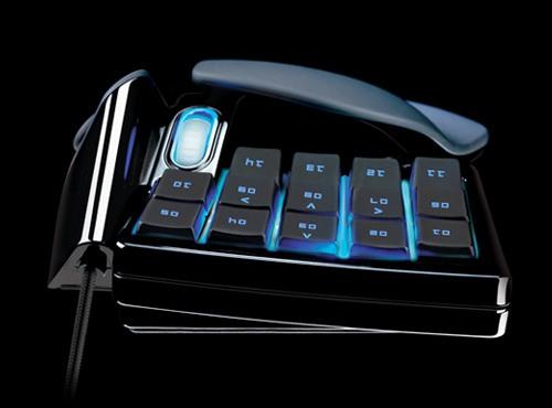 Компания Razer выпустила игровую кнопочную панель Nostromo
