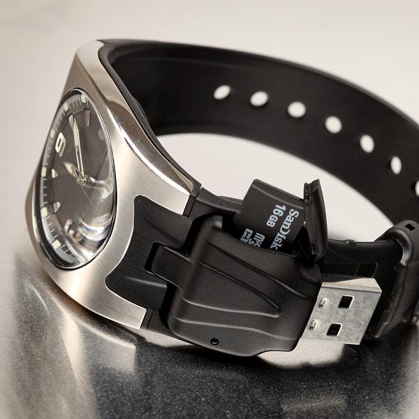 Часы с кардридером microSD