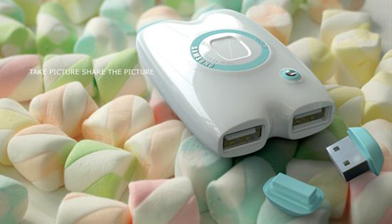 Цифровая камера с USB-флешками