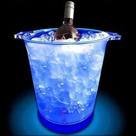 Ведерко для льда с подсветкой – находка для любителей вечеринок