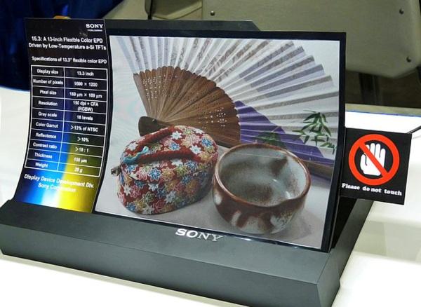 Цветной экран на основе электронной бумаги от Sony