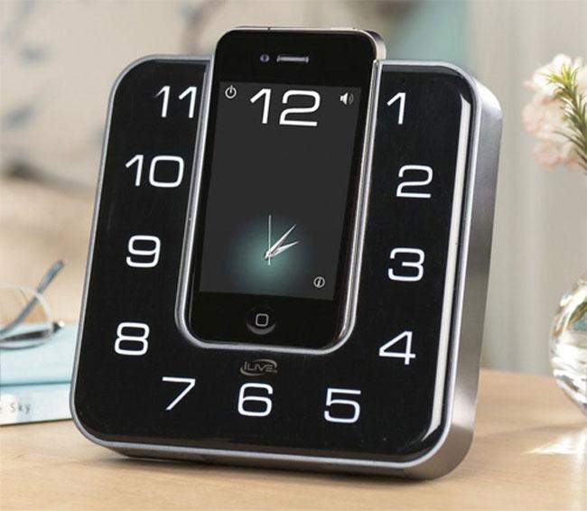 «Маскировочная» док станция для iPhone от iLive