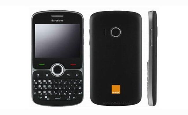 Новый смартфон Barcelona – моноблок с тачскрином и QWERTY-клавиатурой