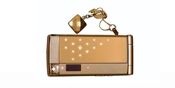 Мобильный телефон Fujitsu с запахом духов