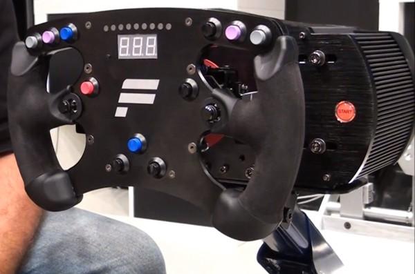 Fanatec выпустит базу ClubSport для фанатов гоночных симуляторов