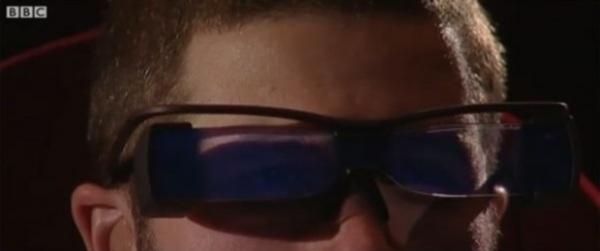 Очки добавят субтитры к фильму самостоятельно