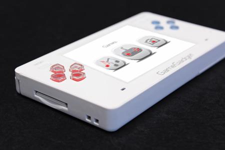 GameGadget 1.0 – универсальная консоль для ретроигр