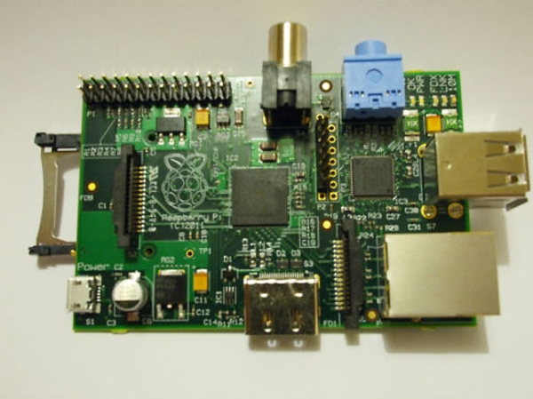 Мини-ПК Raspberry Pi выходит в продажу