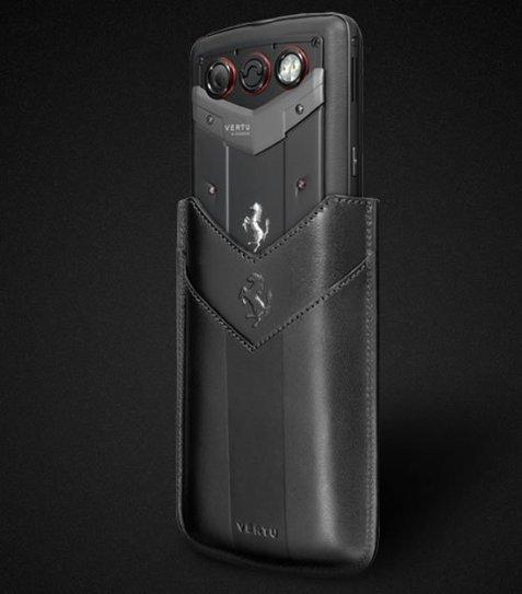Анонсирован смартфон Vertu Constellation Quest Ferrari