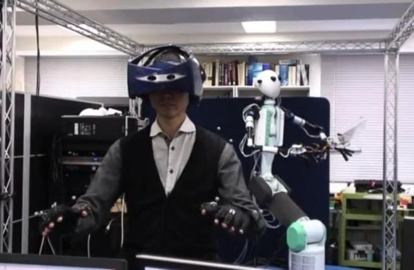 Японские ученые разрабатывают робота-аватар
