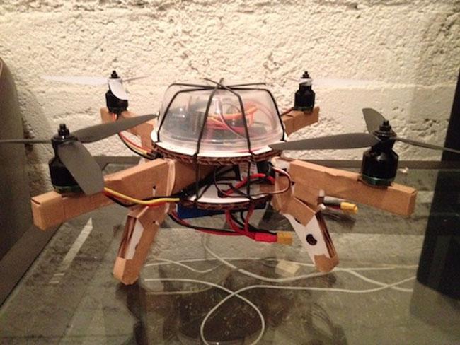 Картонная модель трехмоторного вертолета – оригинальный бюджетный аналог Parrot AR.Drone