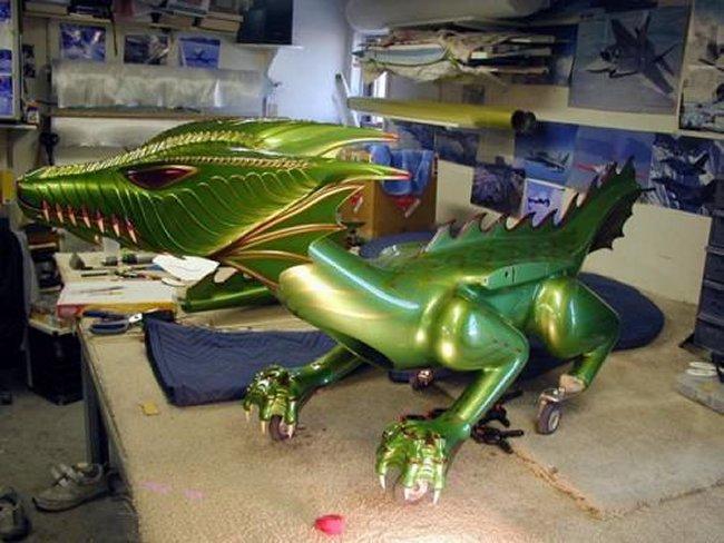 Радиоуправляемый летающий и огнедышащий дракон