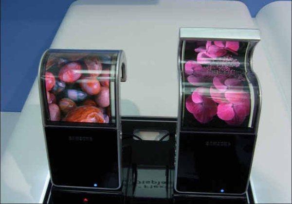 Гаджеты с гибкими дисплеями Samsung выйдут в начале 2013 года