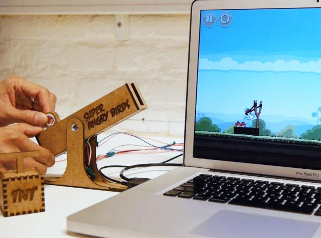 Контролер для Angry Birds с силовой обратной реакцией