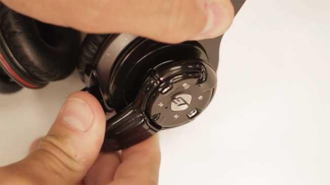 Flow превратит проводные наушники в беспроводные