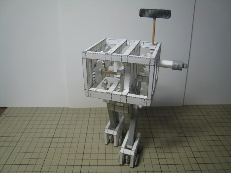 Руками японских умельцев: двигающийся робот из бумаги