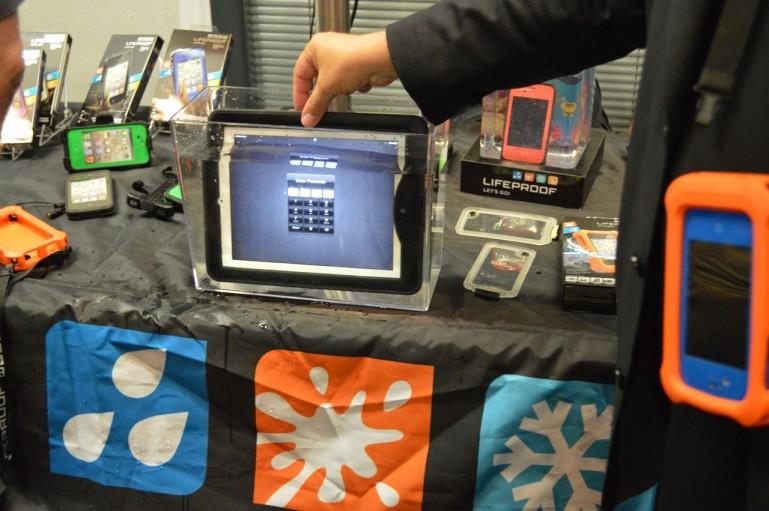 Аксессуар Lifeproof nüüd защищает iPad, на закрывая его экран