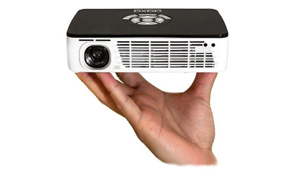Пико-проектор с разрешением 1280x800 от AAXA Technologies