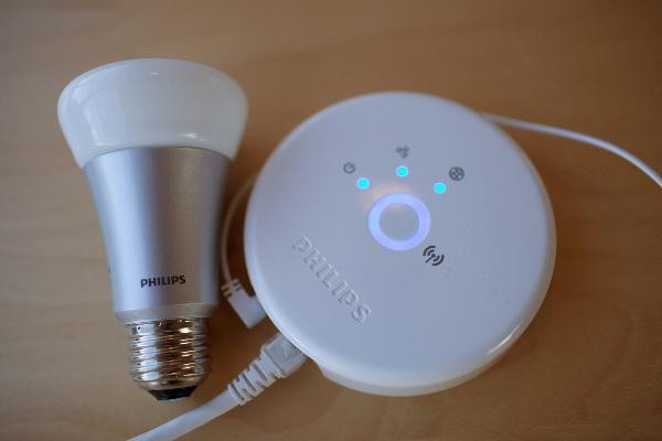 Управляемые смартфоном светодиодные лампы от Philips для домашнего светового шоу