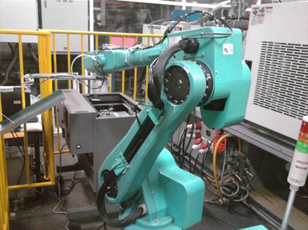 На заводе Foxconn трудятся первые 10 тысяч роботов
