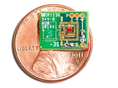 Создан аккумулятор для имплантатов, заряжающийся от уха