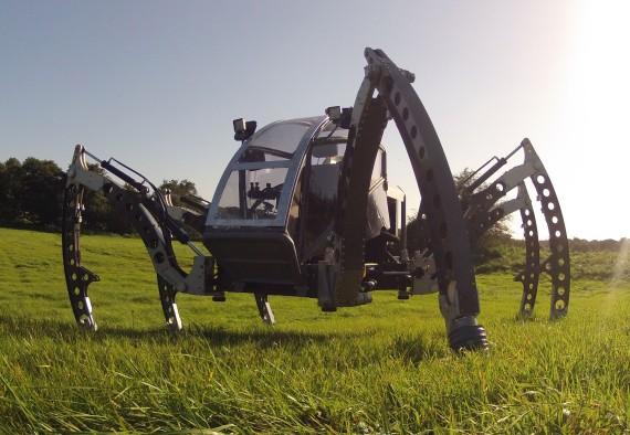 Mantis – самый большой в мире шестиногий робот-вездеход