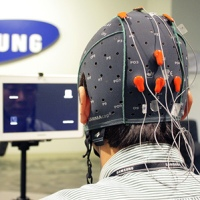 Samsung разрабатывают интерфейс управления силой мысли