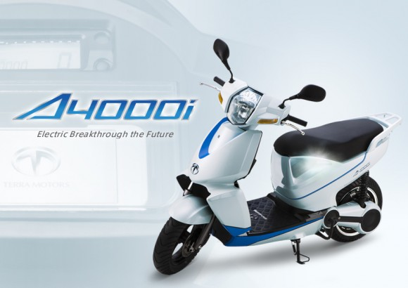 Электроскутер Terra Motors A4000i с поддержкой iPhone