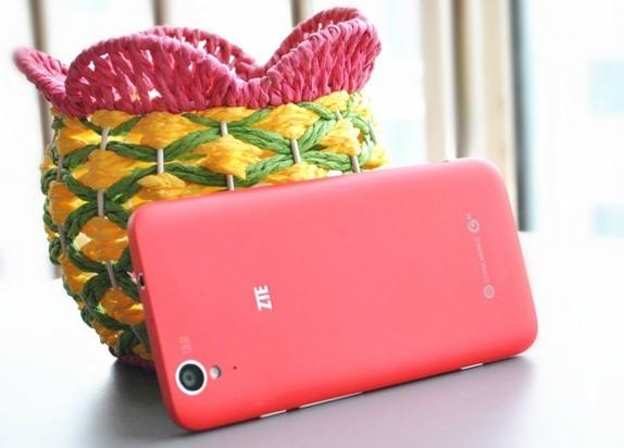 ZTE Geek U988S – первый в мире смартфон с Tegra 4