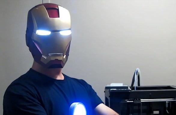 Шлем Железного человека с автоматическим забралом, созданный на 3D-принтере