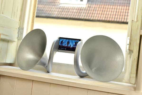 Колонки для HTC One за 8000 долларов