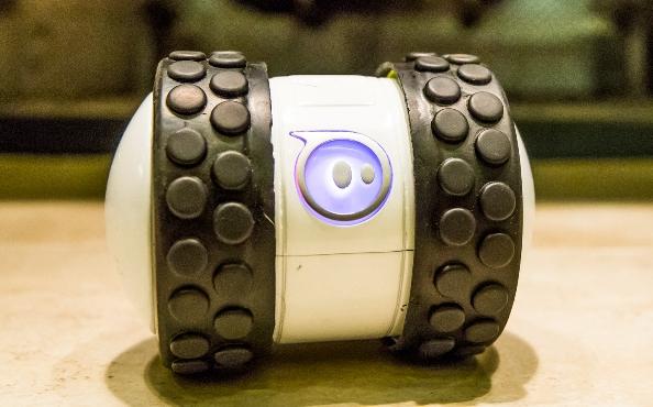 Sphero 2B – новый очень быстрый программируемый игрушечный робот