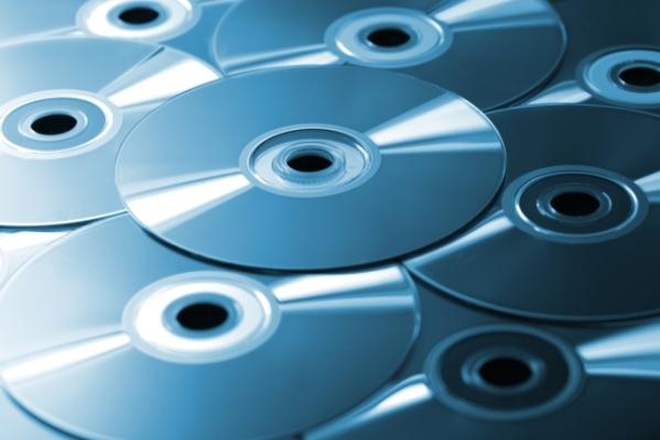 Система хранения данных из 10 тысяч Blu-ray-дисков от Facebook