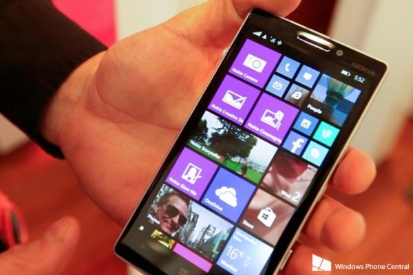 Смартфон Nokia Lumia 930 будет поставляться с бесплатной беспроводной зарядкой