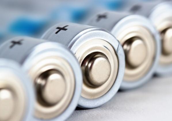 Добавление электролиту дополнительной функции позволит увеличить емкость и срок службы батареек